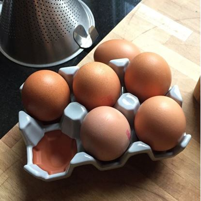 Picture of Egg Rack (6) Pale Grey Glazed
